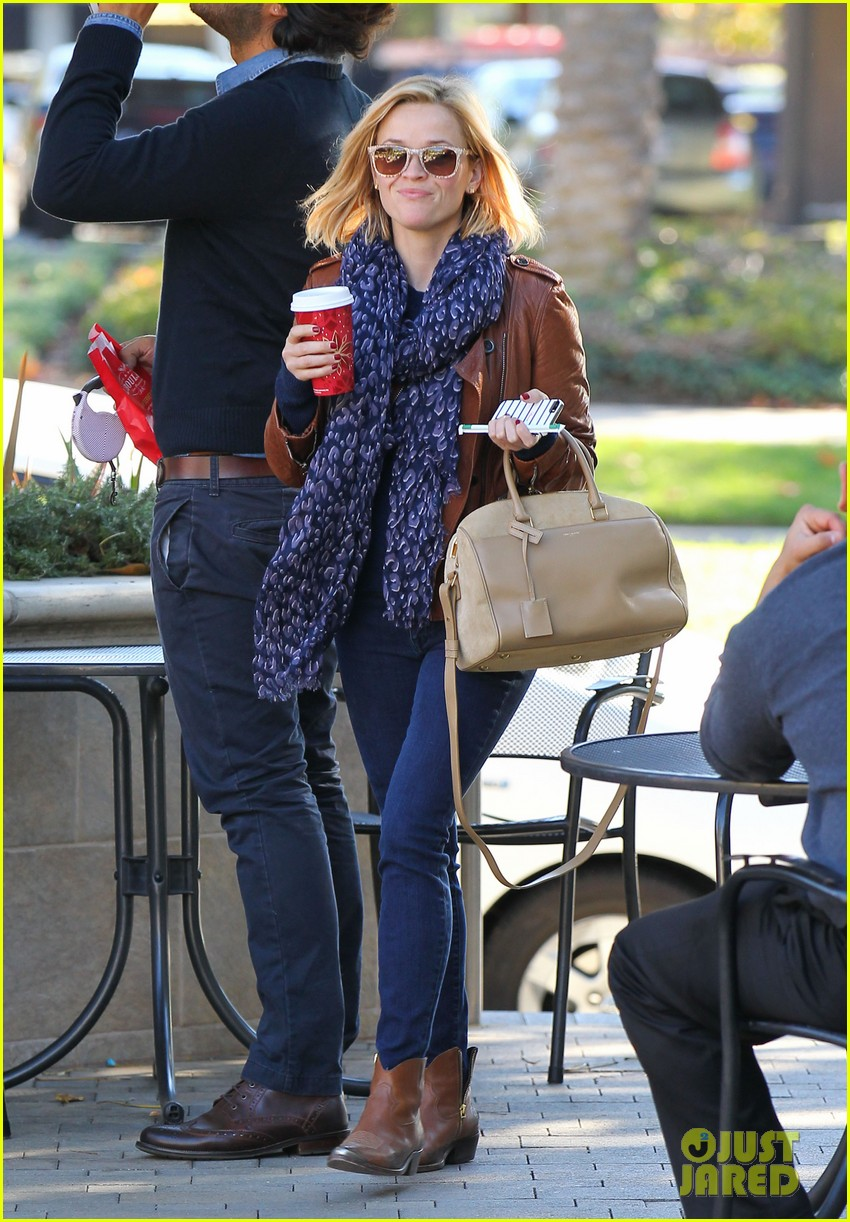 reese witherspoon back on the road for the good lie 063005657