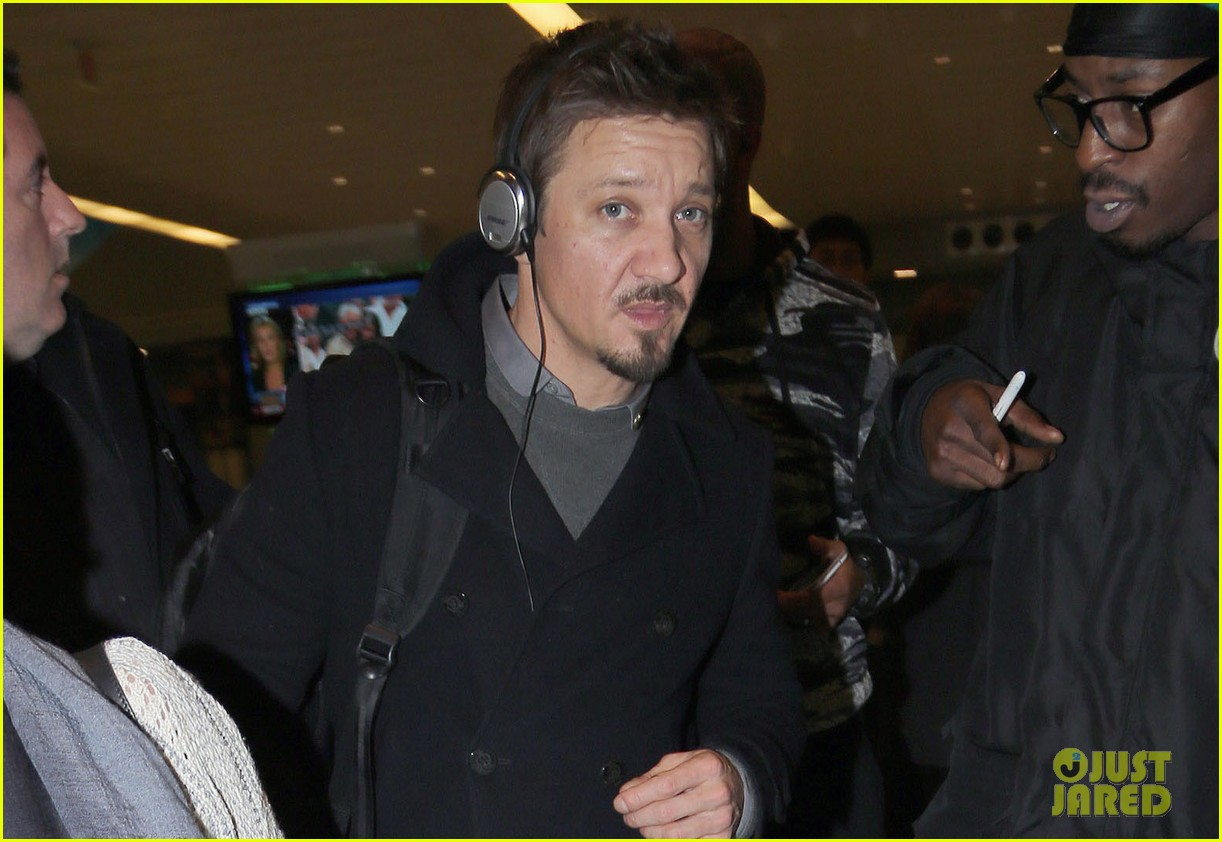 jeremy renner next bourne film set for 2015 023006378
