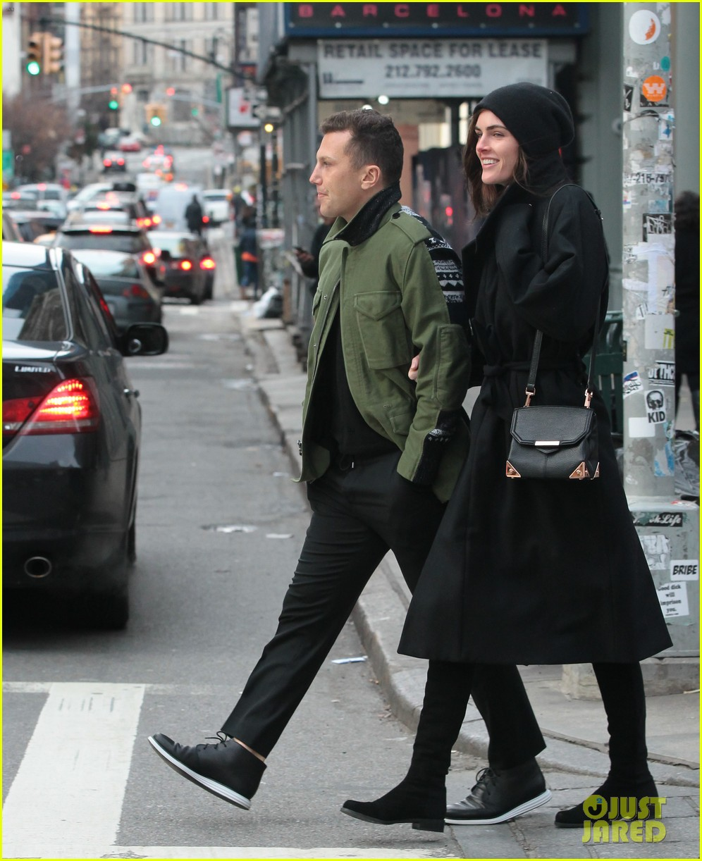 hilary rhoda sean avery soho stroll before christmas 013017739