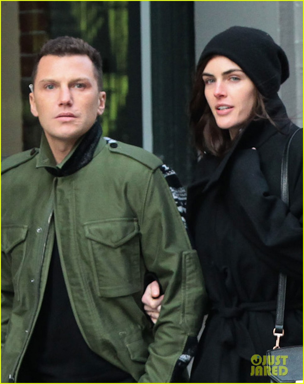 hilary rhoda sean avery soho stroll before christmas 023017740