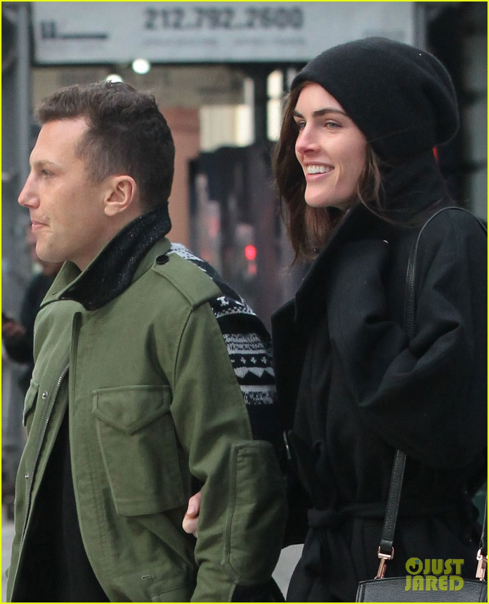 hilary rhoda sean avery soho stroll before christmas 04