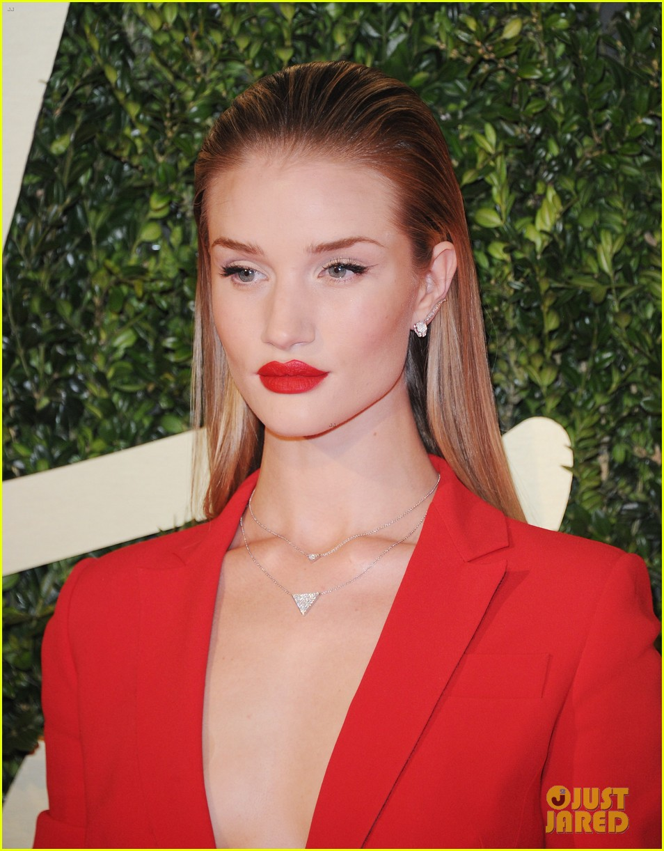 rosie huntington whiteley british fashion awards 2013 083003548