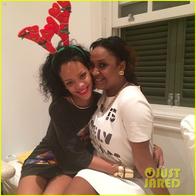 rihanna is a red nosed reindeer at her christmas eve party 023017567