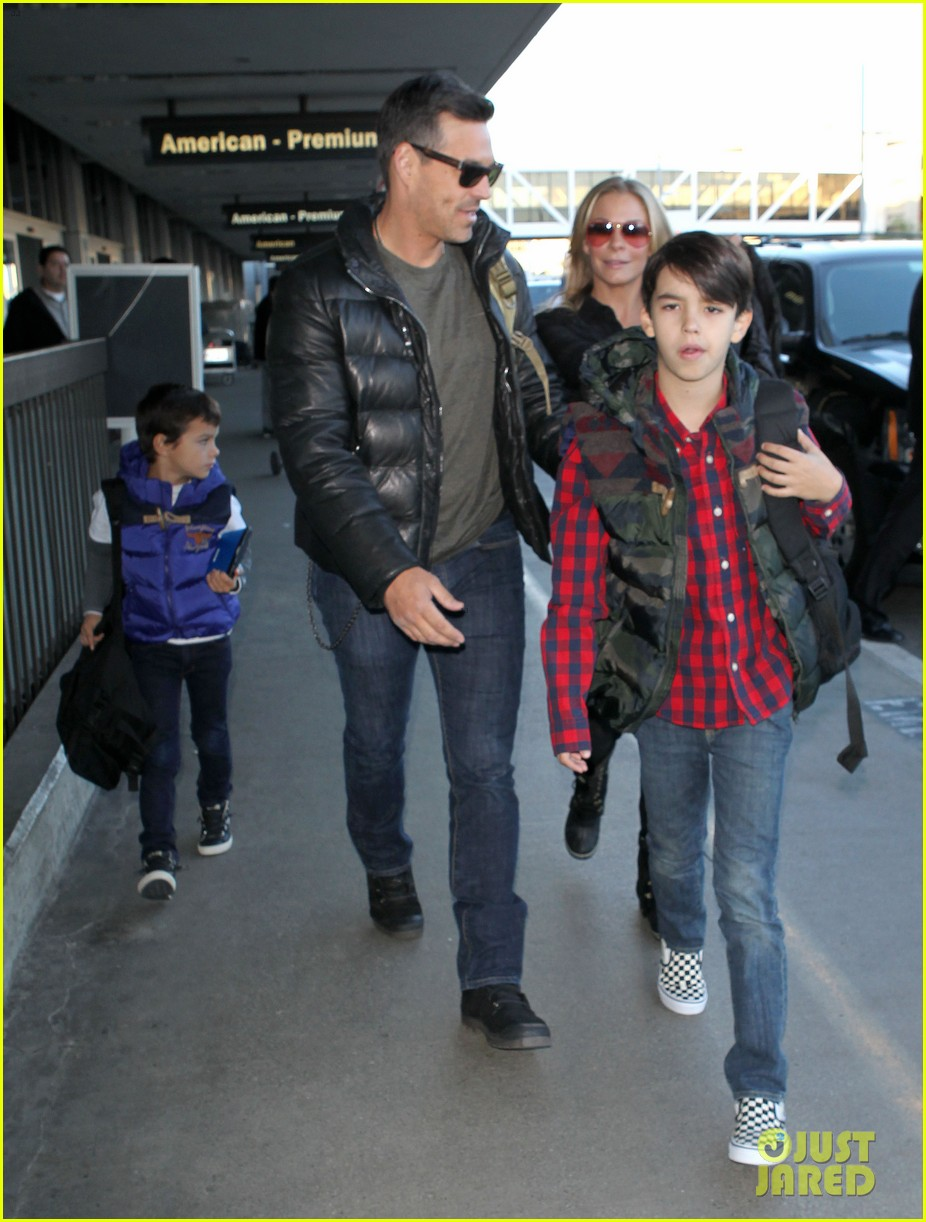 leann rimes eddie cibrian take off for snowboarding vacation 243019912