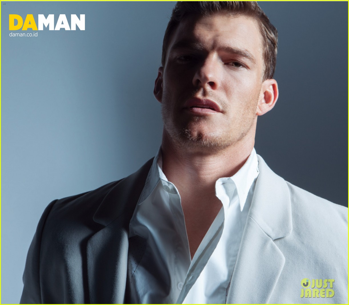 alan ritchson bares ripped shirtless body for da man magazine 09