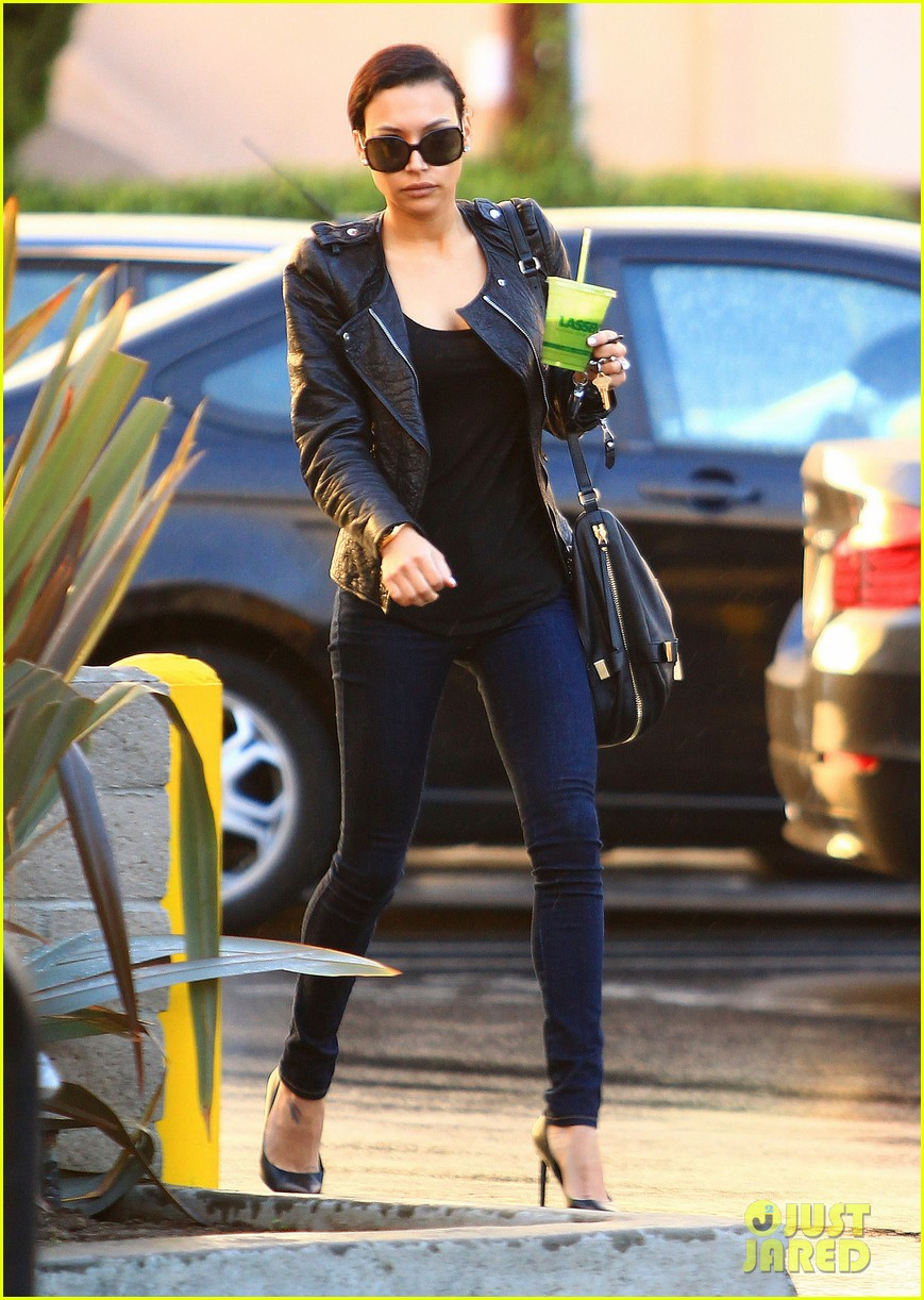 naya rivera filmed unexpected glee scenes with heather morris 033015364