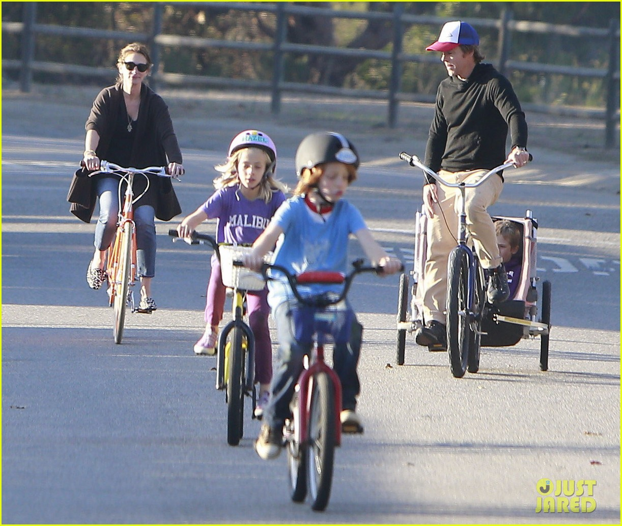 julia roberts family bike ride with the kids 203016446