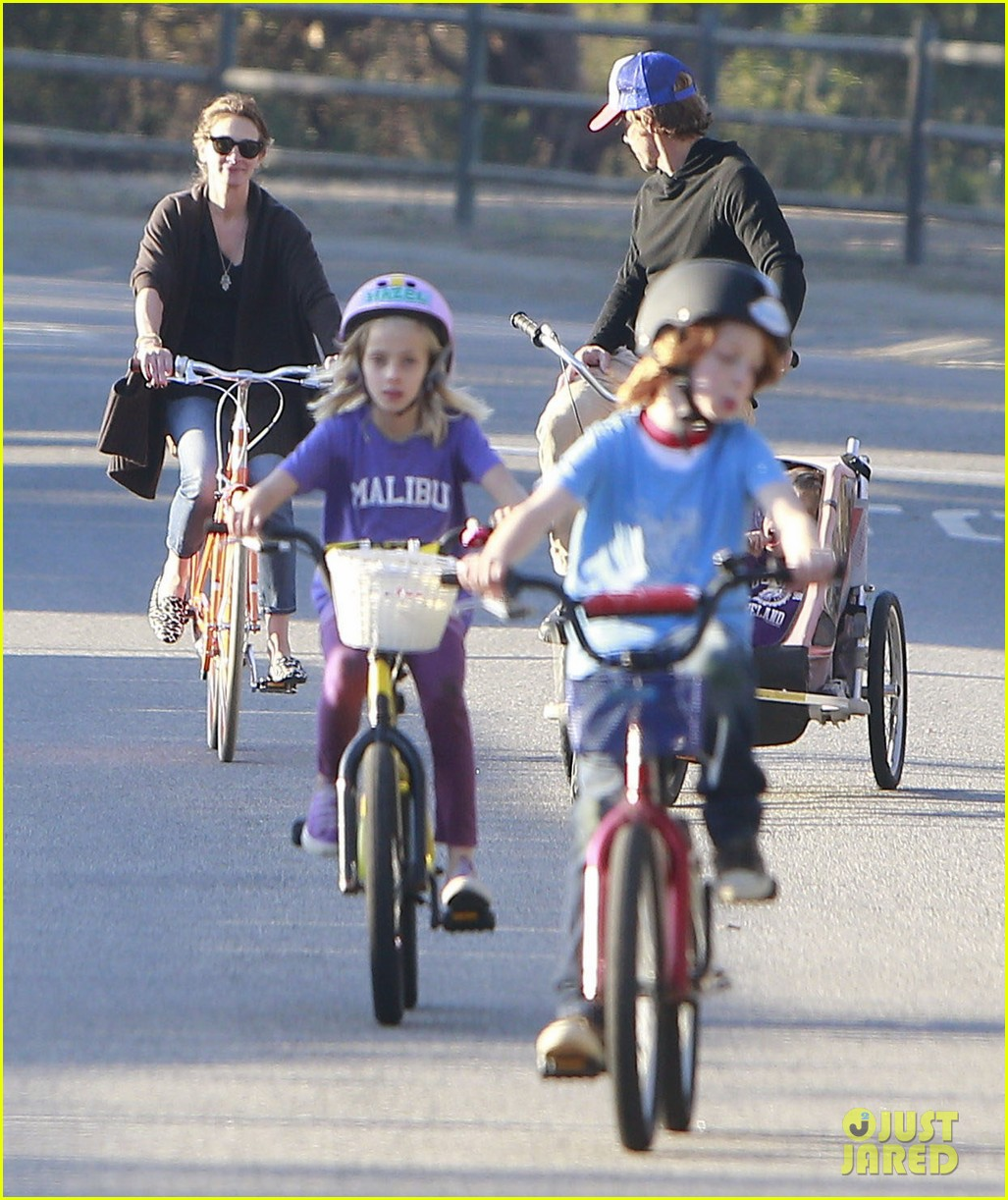 julia roberts family bike ride with the kids 223016448