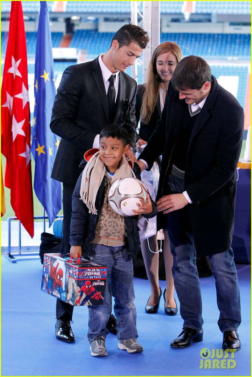 cristiano ronaldo one toy one hope charity event 073013577
