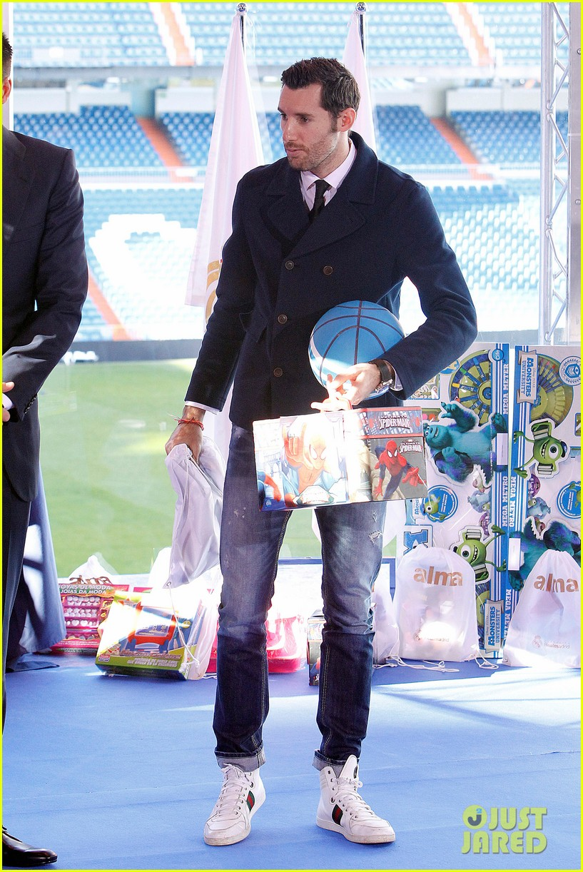 cristiano ronaldo one toy one hope charity event 193013589
