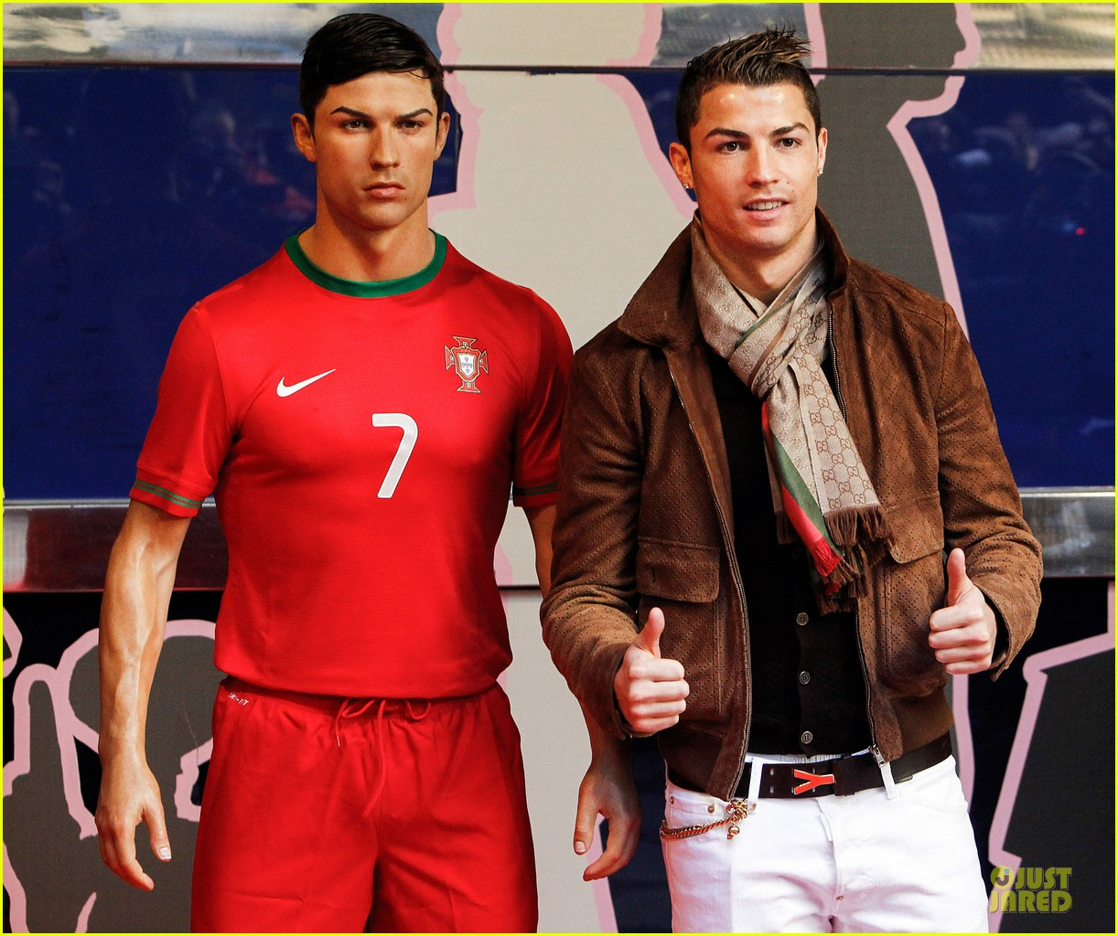 cristiano ronaldo wax figure unveiling in madrid 043007373