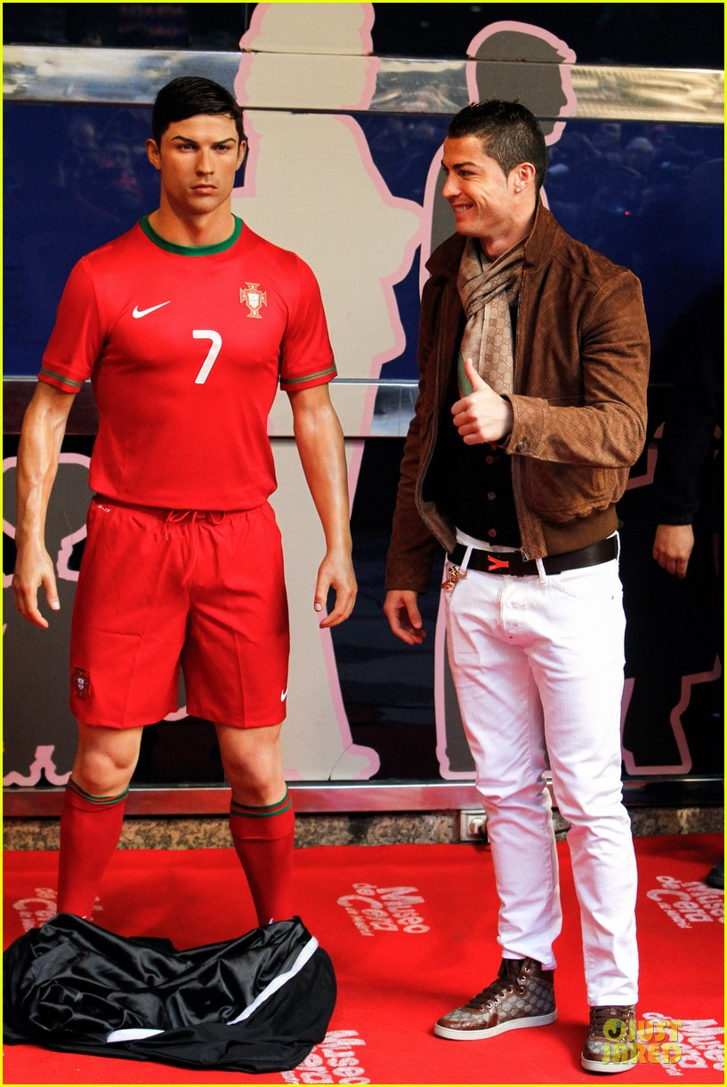cristiano ronaldo wax figure unveiling in madrid 083007377