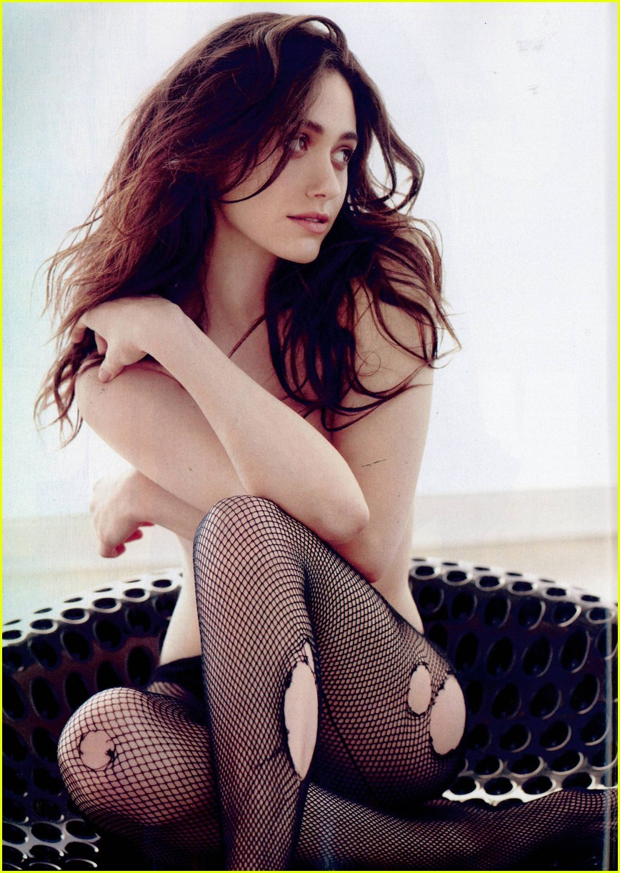 emmy rossum topless for esquire magazine january 2014 023008599