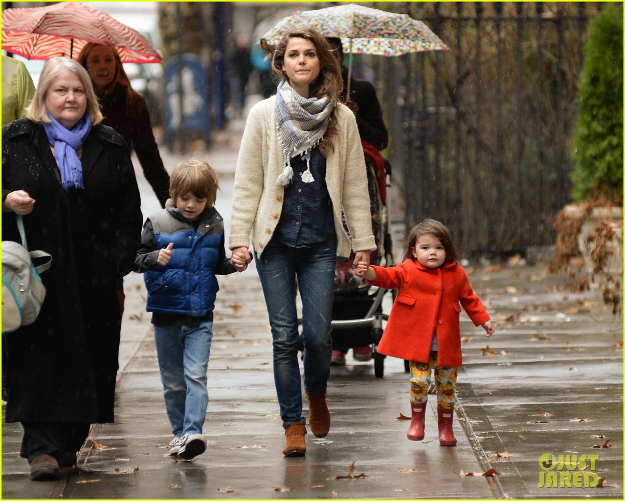 keri russell steps out with kids after shane deary split news 013006283