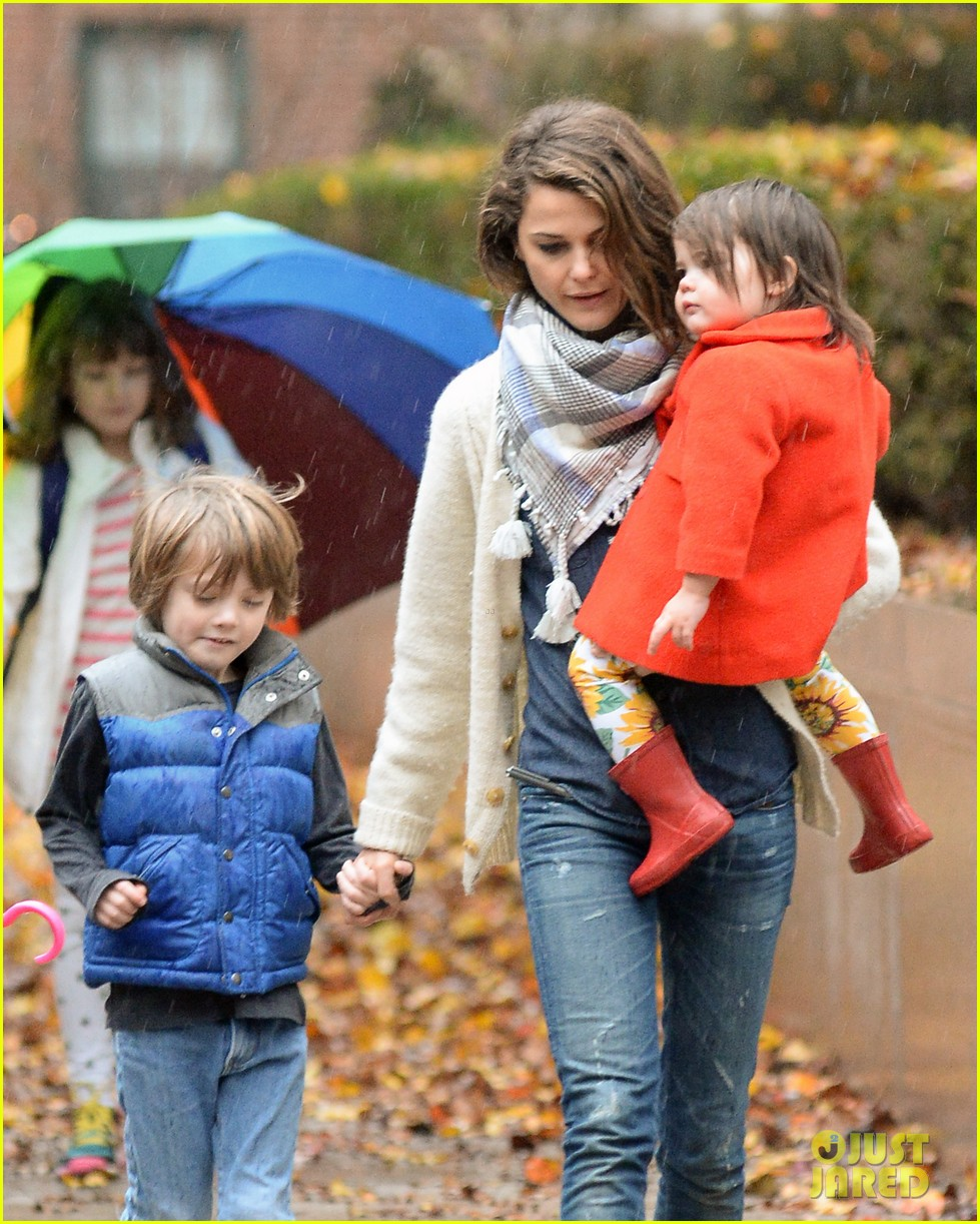 keri russell steps out with kids after shane deary split news 043006286