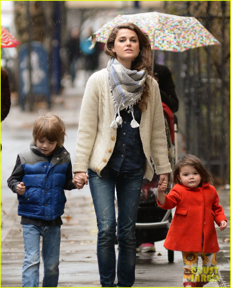 keri russell steps out with kids after shane deary split news 093006291