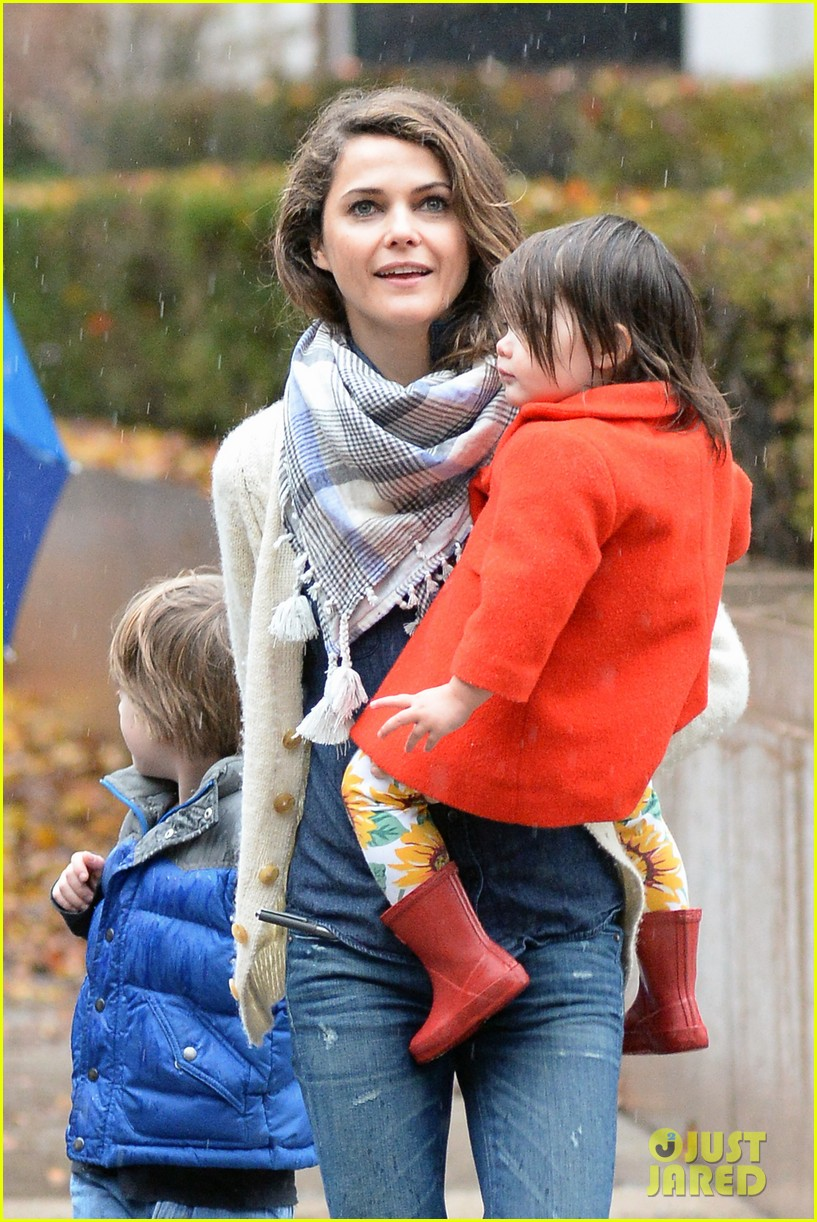 keri russell steps out with kids after shane deary split news 10