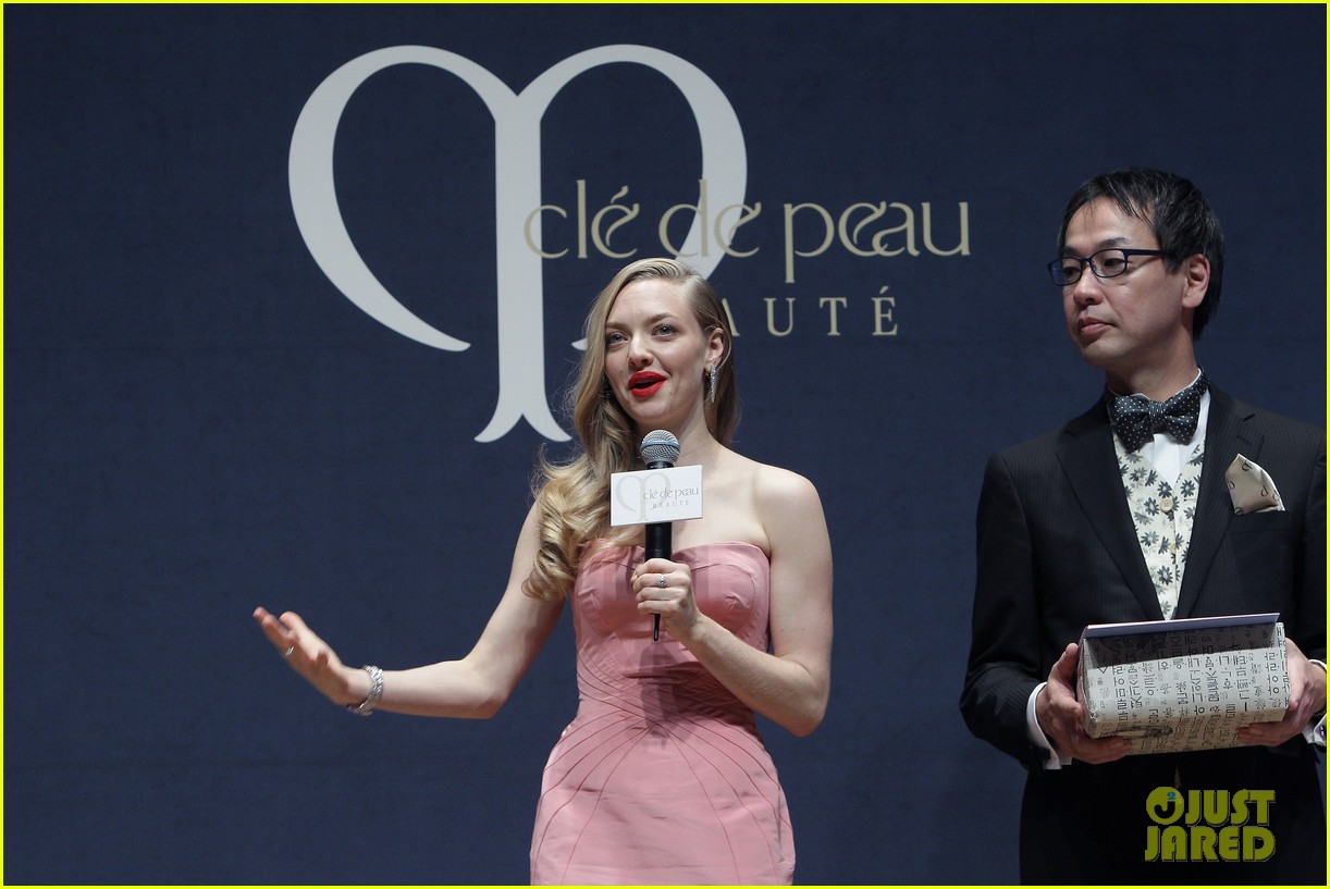 amanda seyfried cle de peau beaute events in seoul 103004981