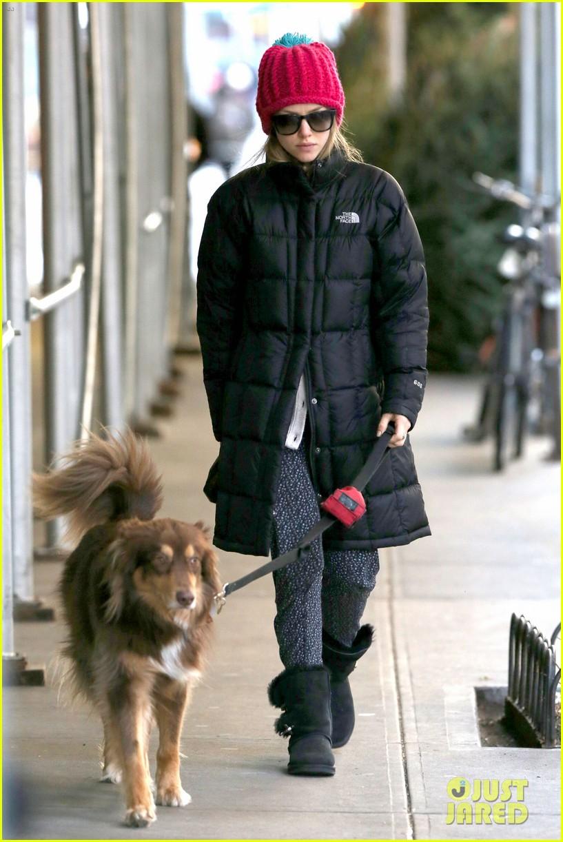 amanda seyfried monday morning dog walk with finn 073012978