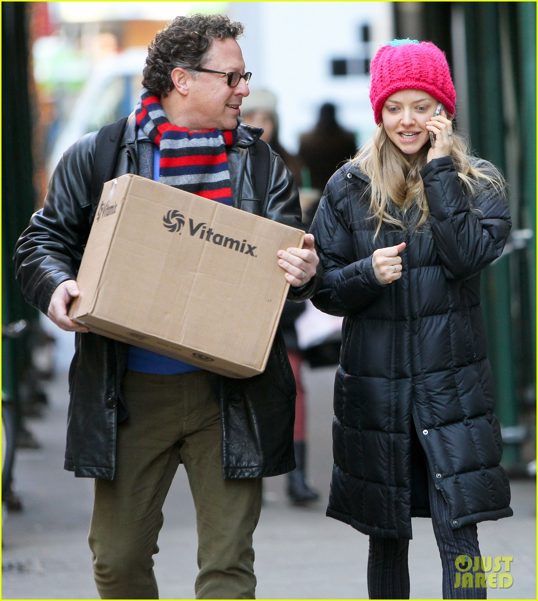 amanda seyfried monday morning dog walk with finn 123012983