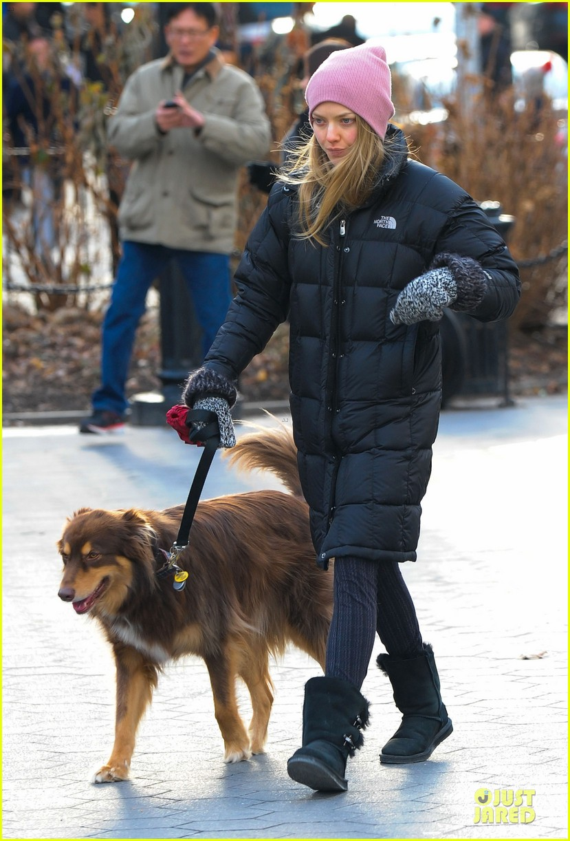 amanda seyfried post christmas pink walk with finn 03