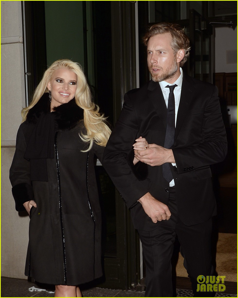 jessica simpson footwear news achievement awards 2013 02