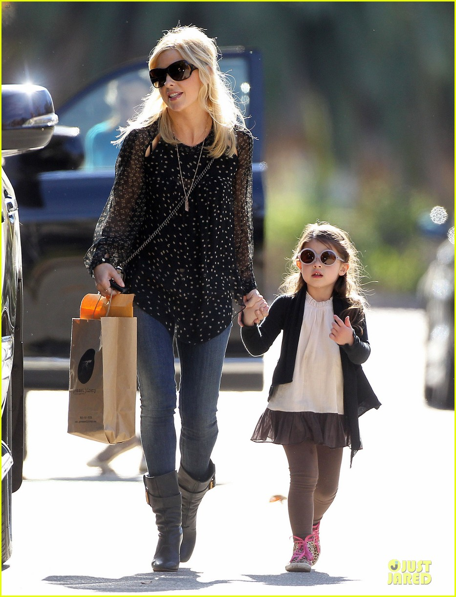 sarah michelle gellar mommy me class with charlotte 013019033