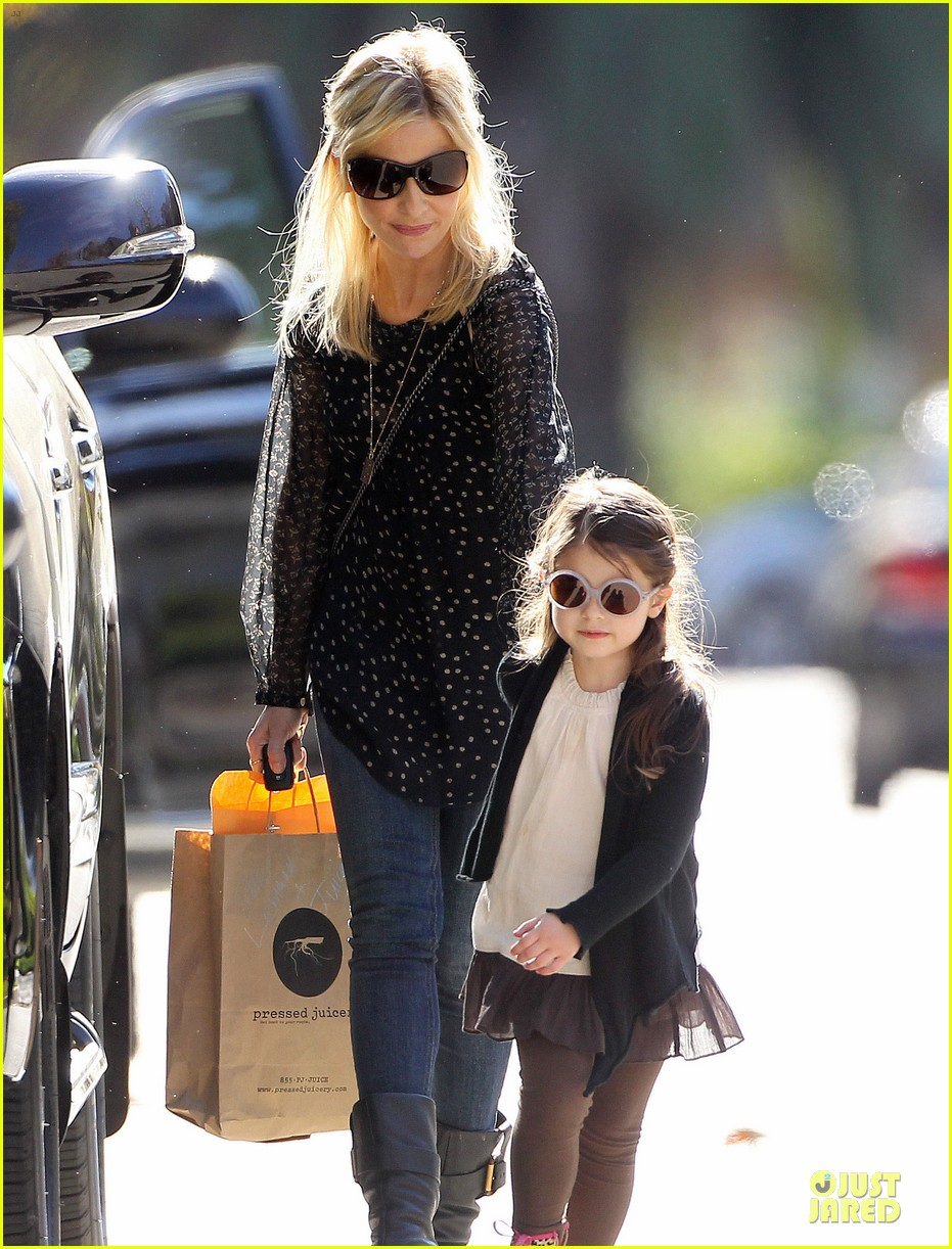 sarah michelle gellar mommy me class with charlotte 023019034