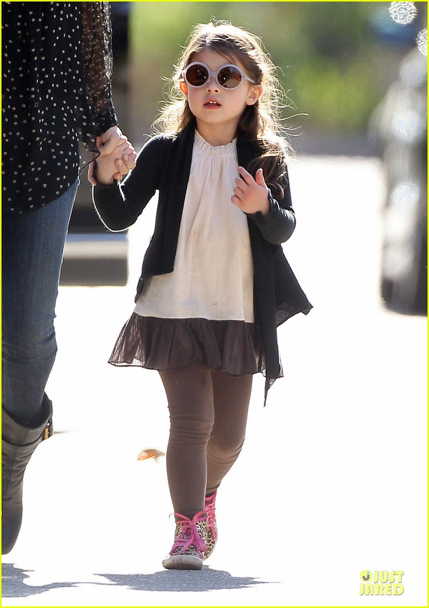 sarah michelle gellar mommy me class with charlotte 043019036