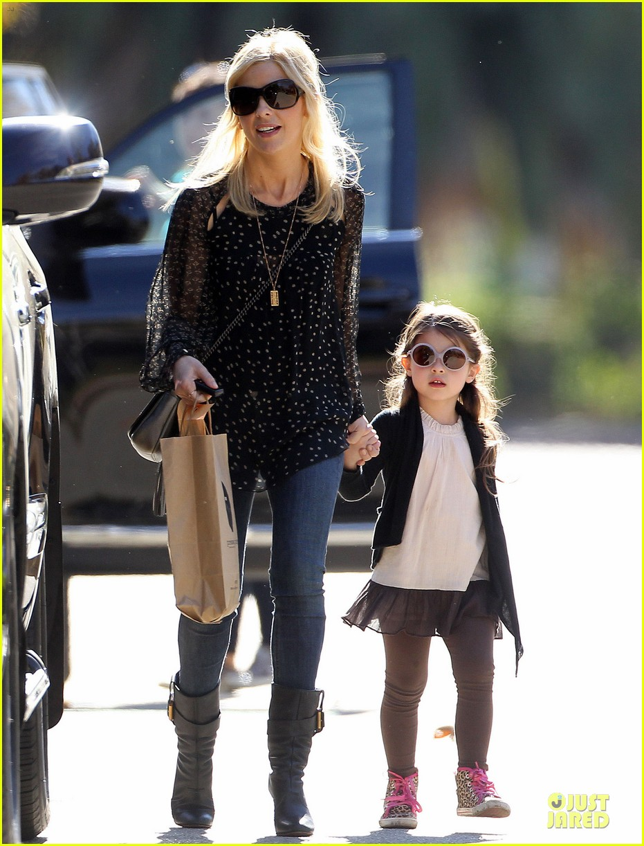 sarah michelle gellar mommy me class with charlotte 113019043