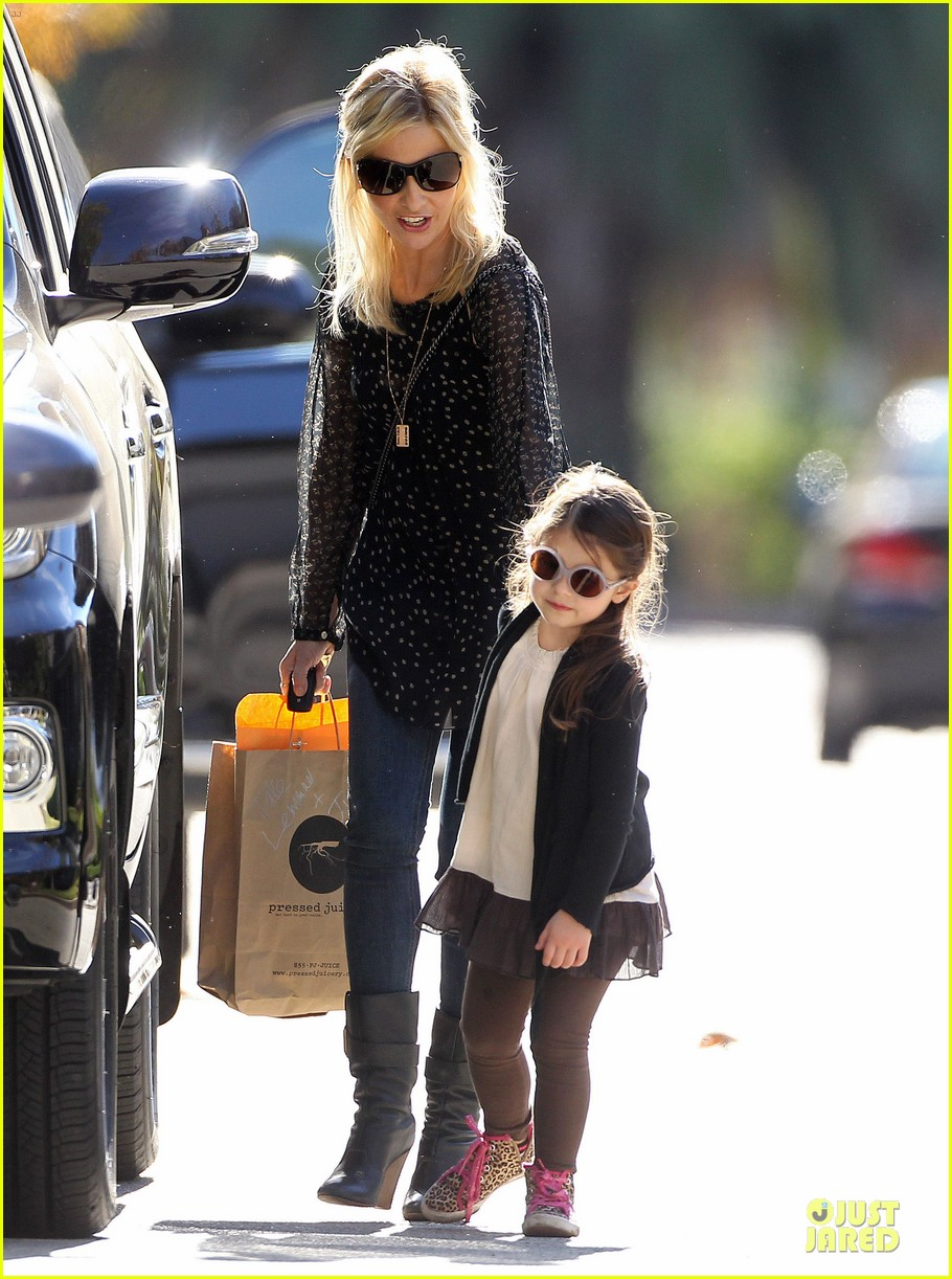 sarah michelle gellar mommy me class with charlotte 143019046