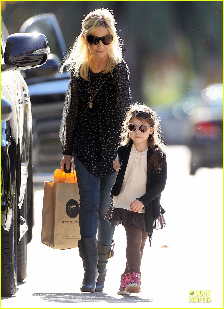 sarah michelle gellar mommy me class with charlotte 153019047