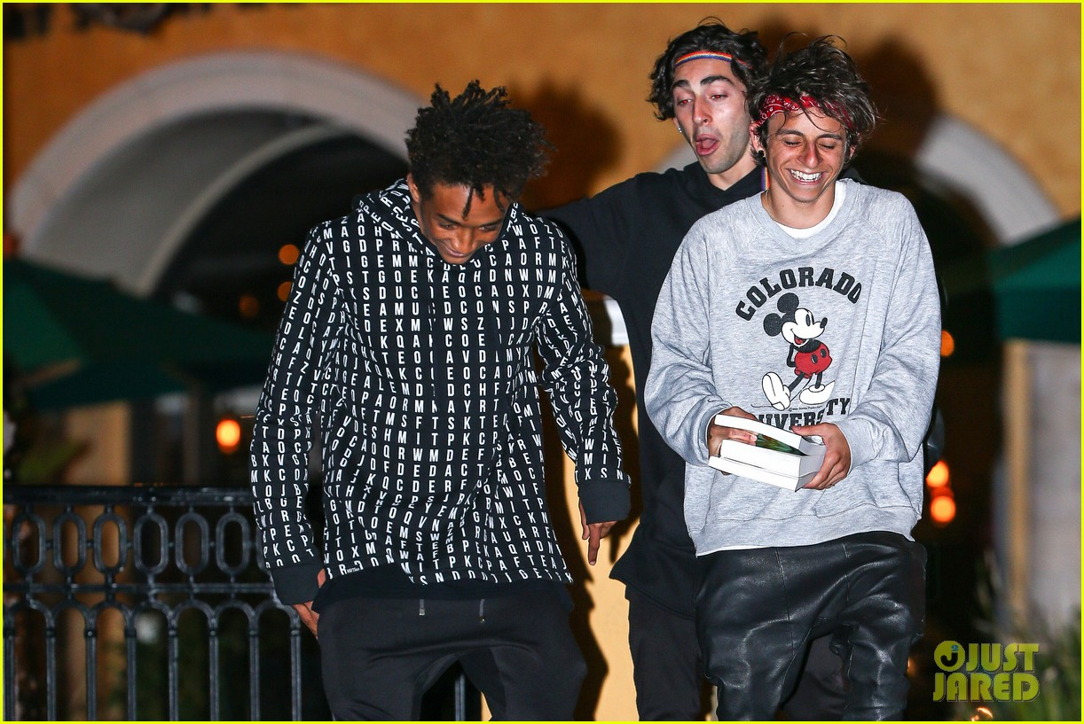 jaden smith strikes poses for cameras after hawaii trip 043005611