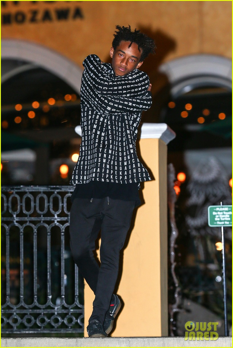 jaden smith strikes poses for cameras after hawaii trip 073005614