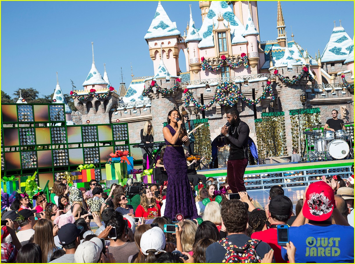 jordin sparks jason derulo duet baby its cold outside for christmas parade video 013017778