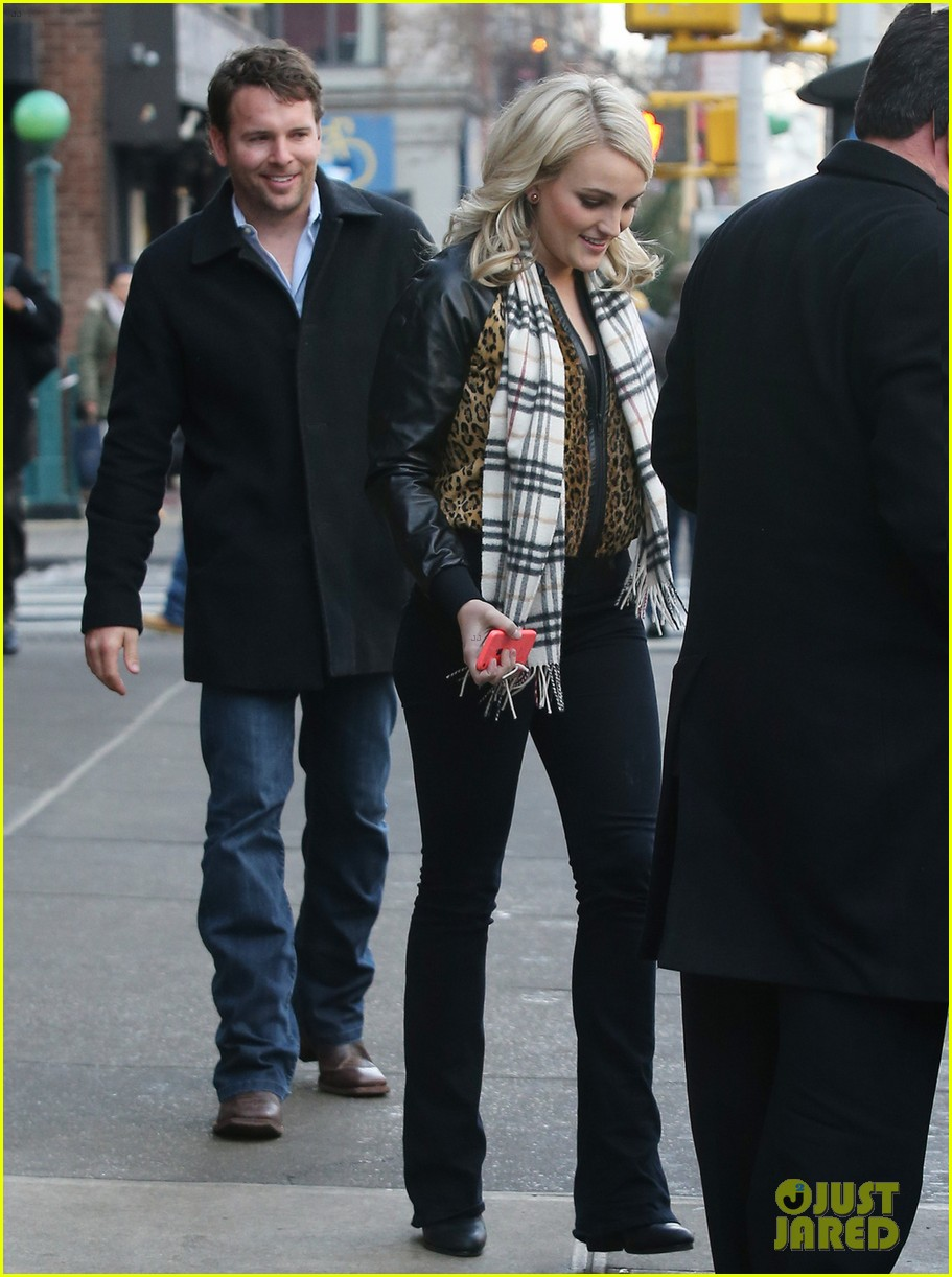 jamie lynn spears brings fiance jamie watson on press tour 05