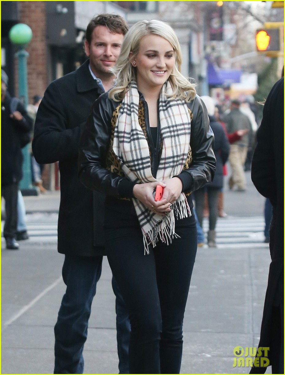 jamie lynn spears brings fiance jamie watson on press tour 093015140