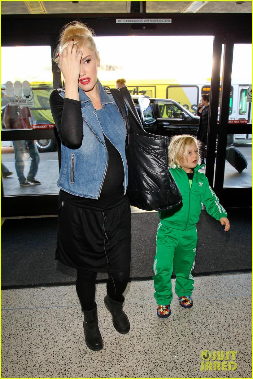 gwen stefanis sons kingston zuma wear matching green track suits 043019681