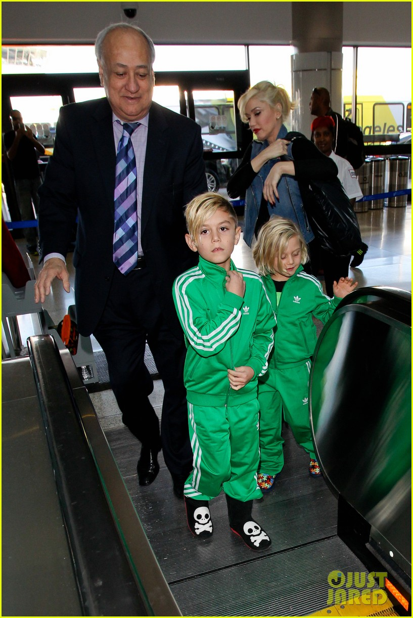 gwen stefanis sons kingston zuma wear matching green track suits 11
