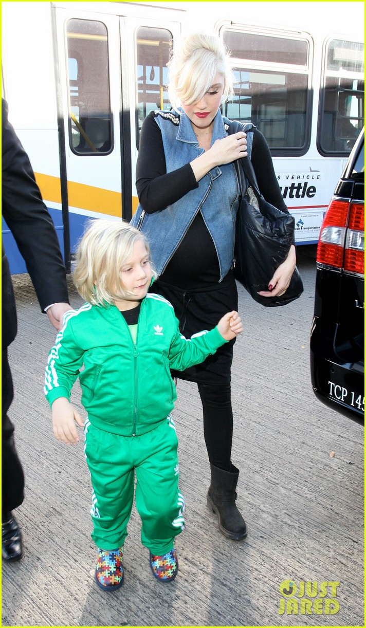 gwen stefanis sons kingston zuma wear matching green track suits 12