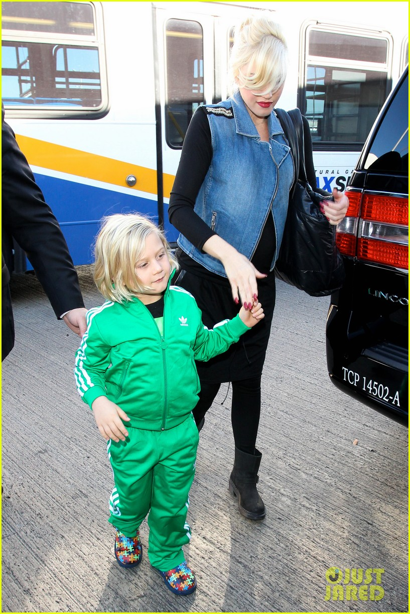 gwen stefanis sons kingston zuma wear matching green track suits 133019690