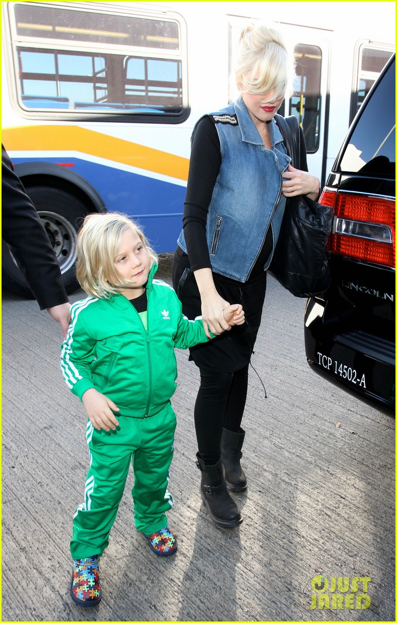 gwen stefanis sons kingston zuma wear matching green track suits 153019692