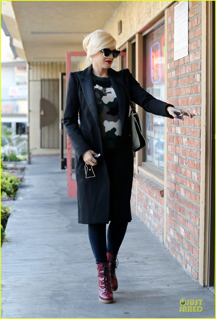 gwen stefani harajuku lovers pop up shop is finally here 123011892