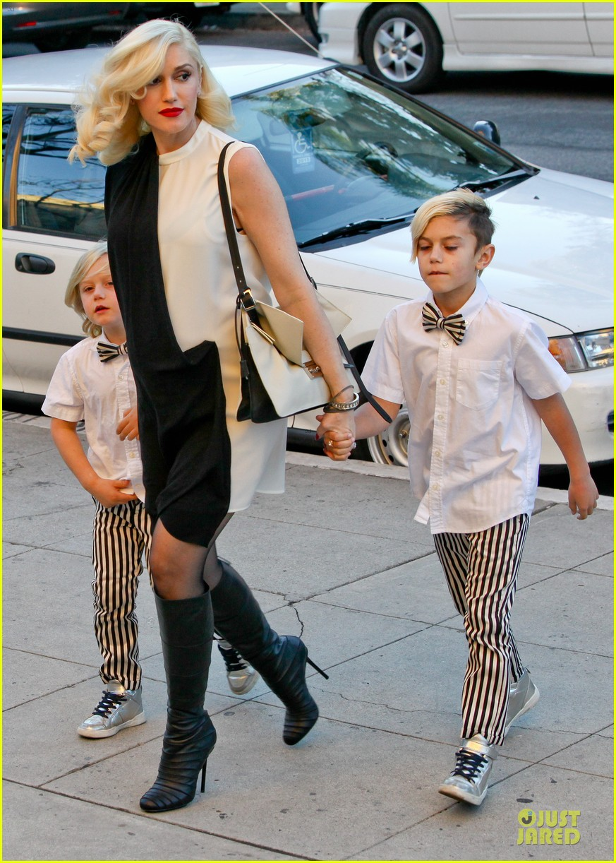 gwen stefani christmas eve mass with matching boys 013017419