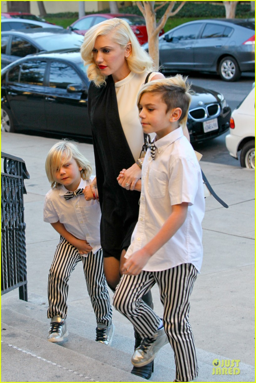 gwen stefani christmas eve mass with matching boys 02