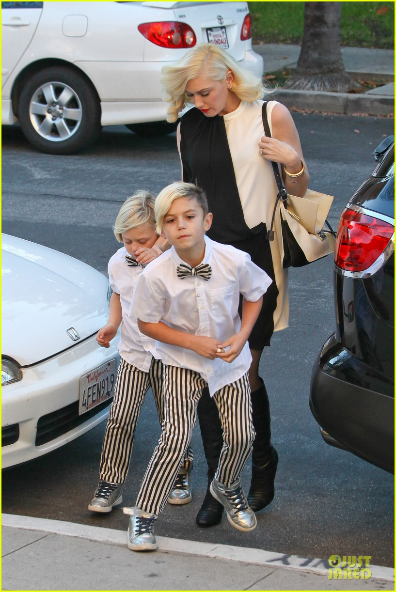 gwen stefani christmas eve mass with matching boys 103017428