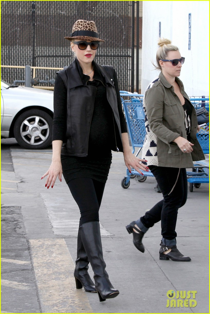 gwen stefani thanks jessica alba for baby2baby event 133013713