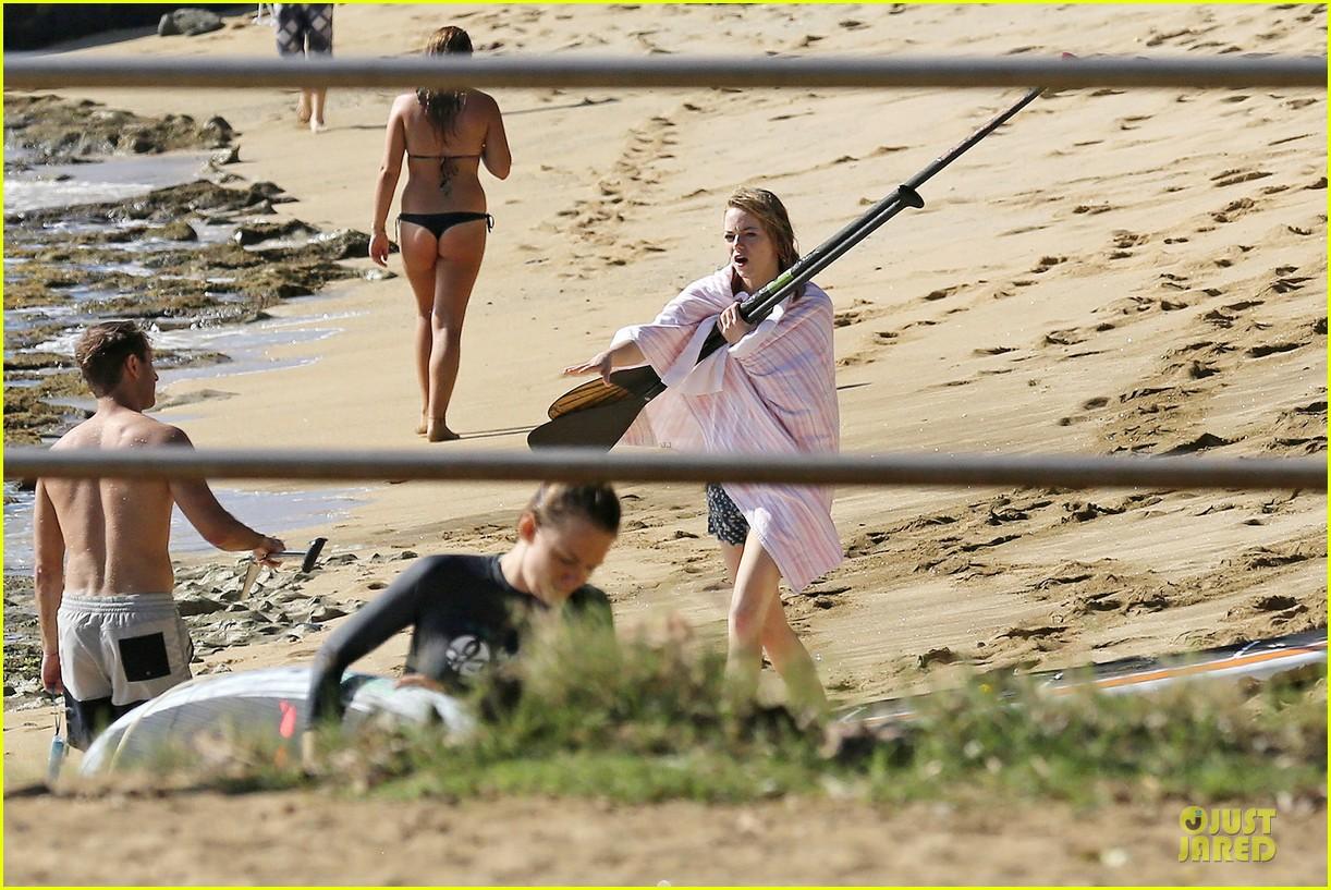 emma stone hawaiian paddle boarding babe 033012510