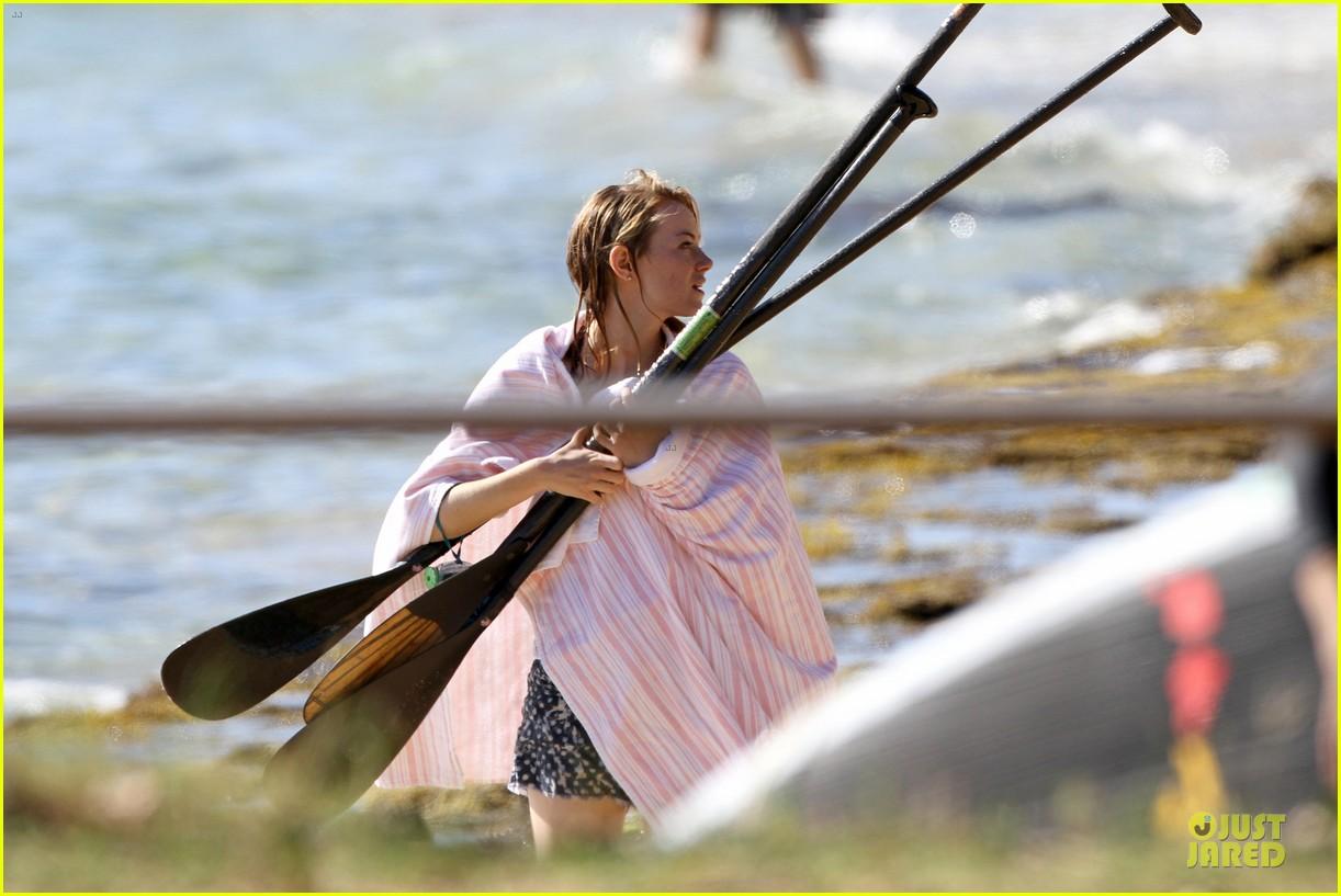 emma stone hawaiian paddle boarding babe 093012516