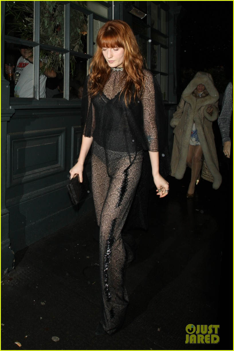 suki waterhouse daisy lowe love magazine holiday party 023014121